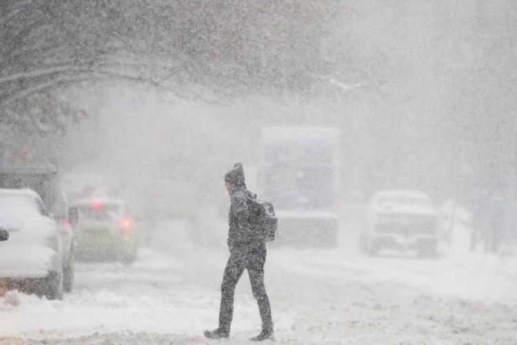 METEO. Informare de vreme rece, ninsori și viscol până sâmbătă dimineață