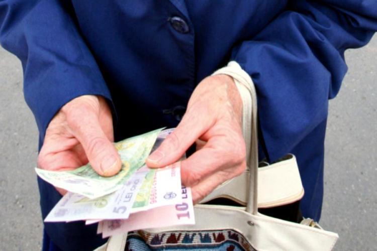 Pensii 2021. Ce se întâmplă cu pensiile calculate greșit. Unde se duc banii, de azi e lege