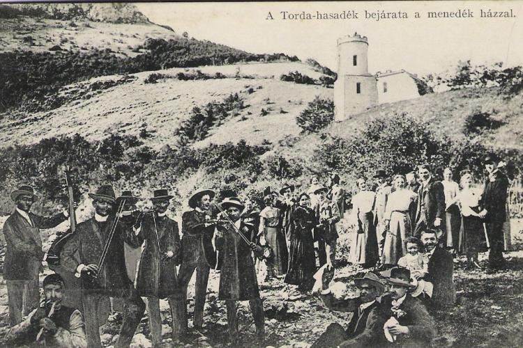 Imagini SUPERBE cu cabana de la Cheile Turzii 1918 - 2021. Au fost două cabane, ultima ridicată în 1935 - FOTO