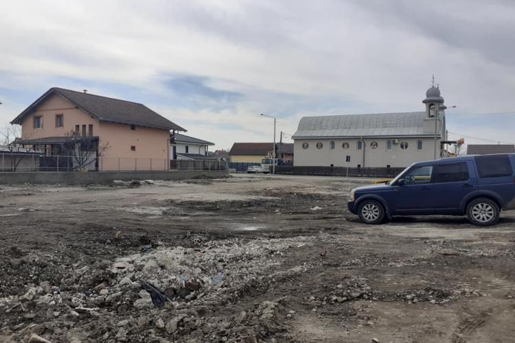 Scrisoare către primarul din Turda, Cristian Matei: Mai faceți și parcuri, nu numai parcări betonate să luați bani - FOTO