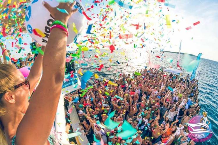 Organizatorii Untold şi Neversea lansează un festival pe un vas de croazieră
