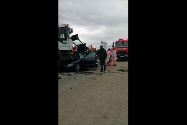 La accidentul mortal din Gilău a intervenit un ambulanțier, care a ținut victimele în viață - VIDEO EXCLUSIV