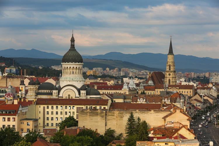 Cluj-Napoca va scăpa de restricțiile din timpul săptămânii? Rata de infectare a scăzut semnificativ în ultimele zile
