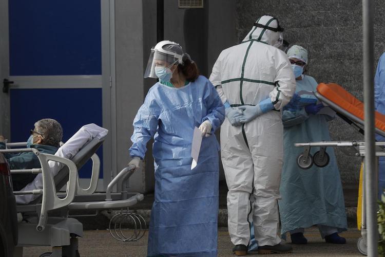 """Strigătul unei bolnave de cancer pentru ministrul Sănătăţii: """"Noi suntem puşi la zid"""""""