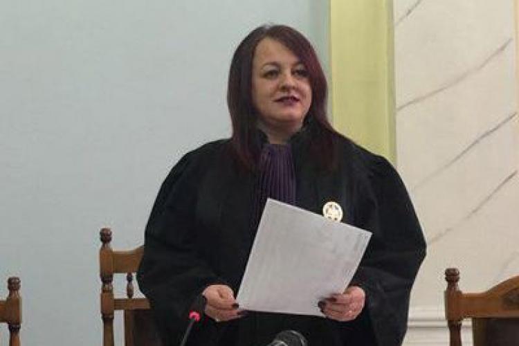 Judecătoarea Adina Lupea, Curtea de Apel Cluj, a rupt TĂCEREA. Vorbește despre mascarada COVID și cum e îngropată România
