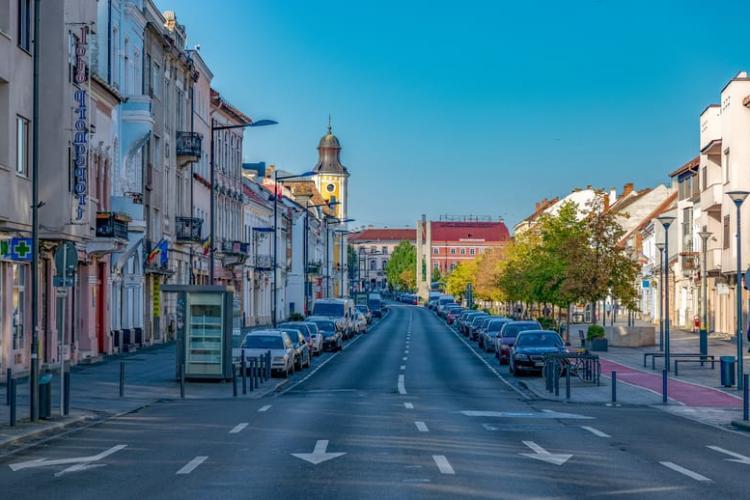 Ce restricții se aplică în Cluj-Napoca, Apahida și alte localități, unde rata de infectare este de peste 7,5 / mie