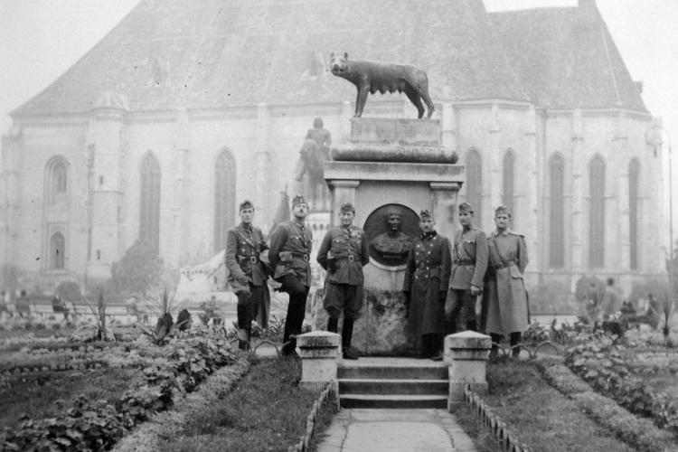 """Povestea statuilor """"migratoare"""" ale Clujului: Obeliscul Carolina, Sf Gheorghe cu balaurul și Lupa Capitolina - FOTO"""