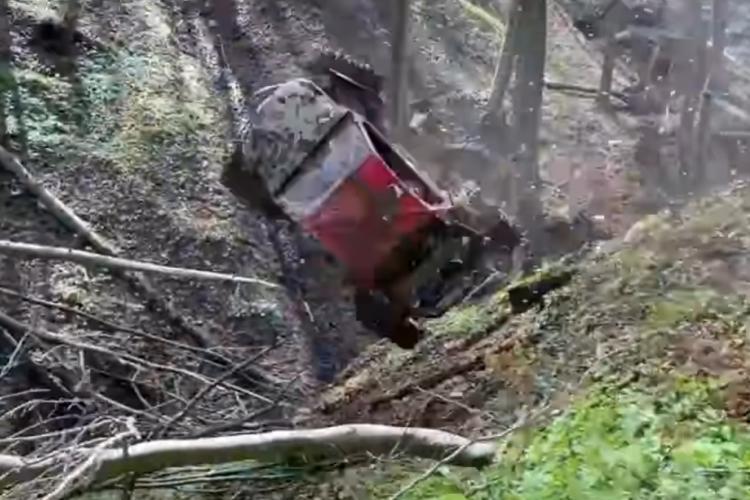 Accident EXTREM la Campionatul Național de Off Road T. Pîrvulescu și Capotă s-au dat peste cap de zece ori - VIDEO