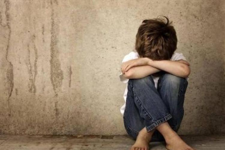 Agresiune sexuală între doi copii. Principalul suspect, un băiat de numai 11 ani