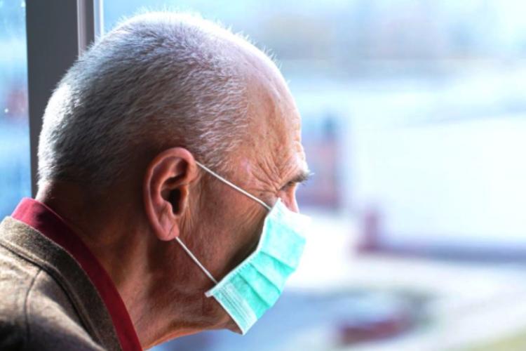 Povestea impresionantă a celor doi soți de 90 de ani pe care pandemia nu i-a putut despărți
