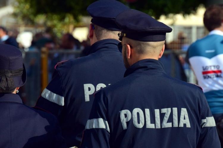 """Scene incredibile în Italia. Un român a bătut crunt patru poliţişti italieni: """"S-a transformat într-un masacru"""" - FOTO"""