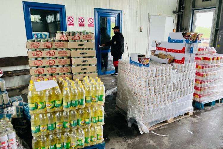 Comunitatea de la Pata-Rât a primit 4 tone de alimente