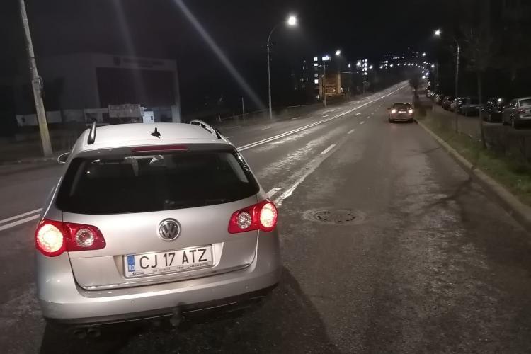 Accident pe strada Observatorului! Au lovit un curier Glovo și și-au abandonat mașina - FOTO
