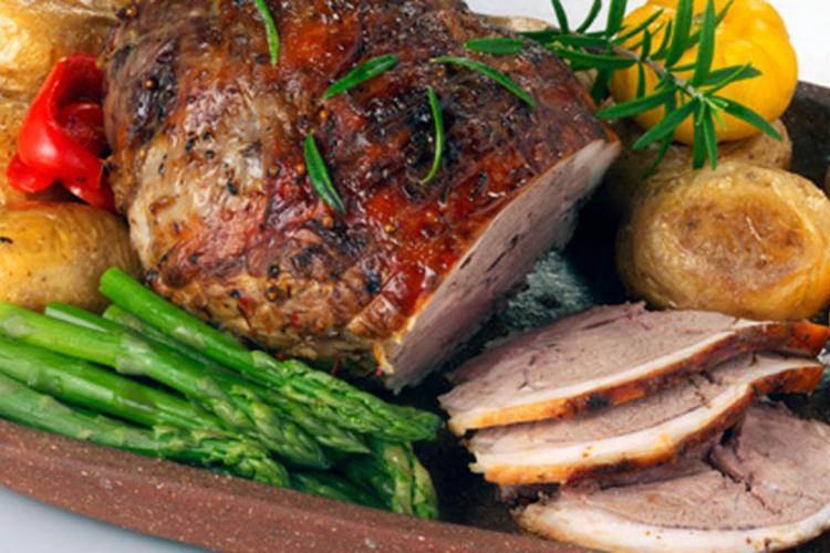 5 idei de rețete din carne de miel pentru masa de Paște