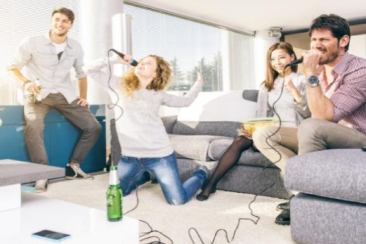 Activități de divertisment pentru acasă, făcute cu ajutorul tehnologiei