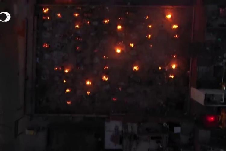 Imagini de GROAZĂ din India. Morții de COVID sunt arși în parcarea crematoriilor, în masă - VIDEO REPORTAJ DW și CNN