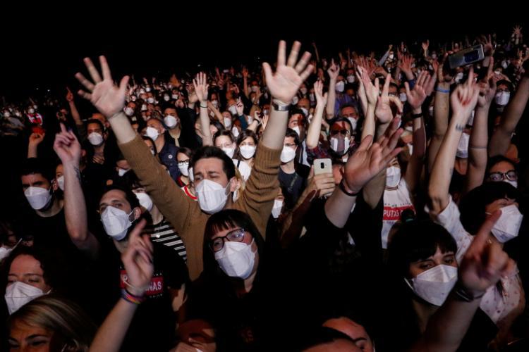 Concluzii în urma concertului test de la Barcelona, unde au fost 5.000 de oameni. Urmează Clujul?