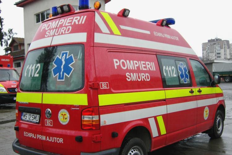 Cluj: O femeie a fost lovită de o mașină care dădea cu spatele