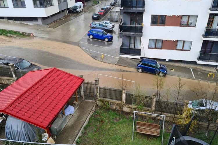 Râul din Baciu, de pe strada Neptun. Oamenii sunt exasperați de haosul imobiliar - FOTO