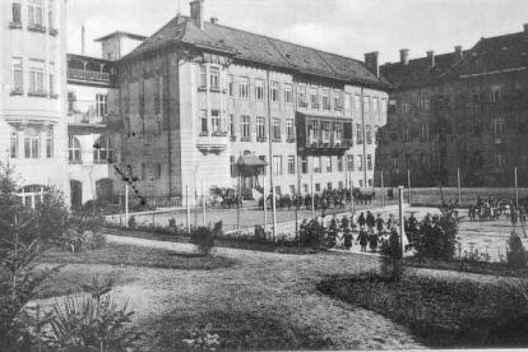 Clădirea Marianum - A găzduit școala de fete și acum Facultatea de Litere a Clujului - FOTO