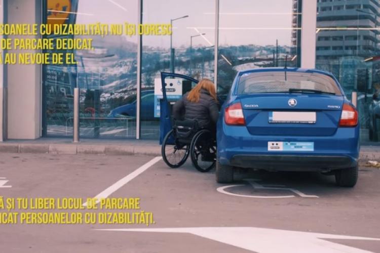 """Tânără din Florești cu dizabilități, UMILITĂ la Lidl de o """"doamnă"""" care a parcat pe locul pentru cei cu dizabilități - VIDEO"""