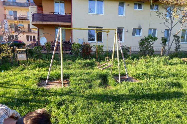 Locurile de joacă pentru copii, responsabilitatea primăriei sau a cetățenilor? - FOTO