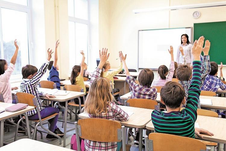 Numai 51 de școli din Cluj vor merge pe Scenariul 1, adică elevii merg la școală. 389 continuă online