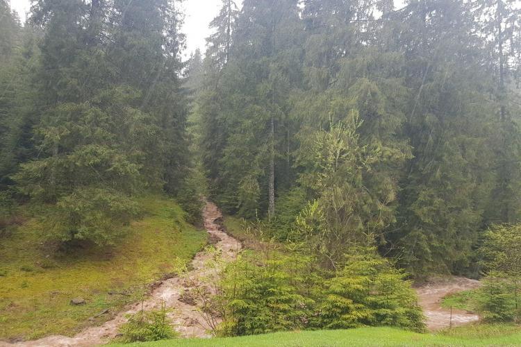 Atenționarea COD Roșu de inundații se prelungește până mâine în Bihor și Cluj