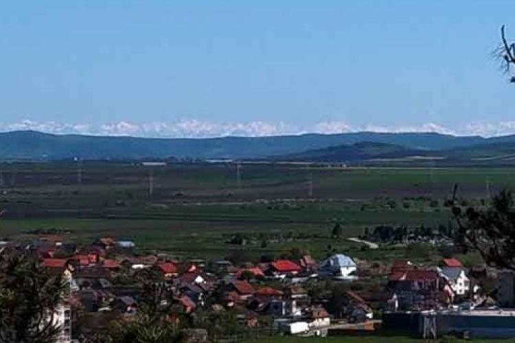 Fenomen INEDIT la Turda: Carpații Meridionali vizibili în ciuda celor 130 km distanță