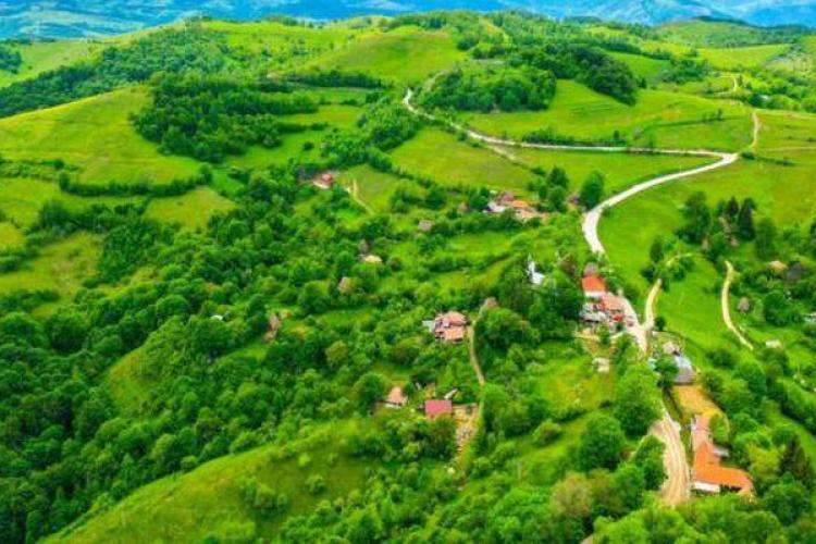 Imagini spectaculoase cu Transalpina de Apuseni. Drumul turistic urmează să fie finalizat în 2022