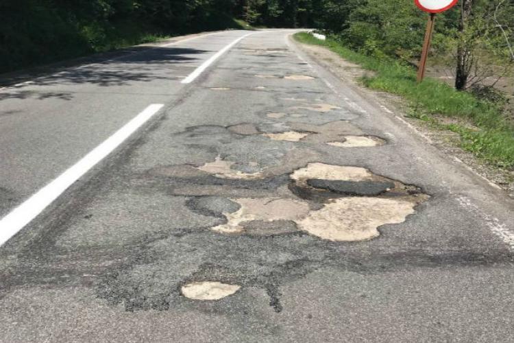 Protest la Cluj și Alba pentru asfaltarea drumului Turda - Câmpeni. E rușinea Apusenilor!
