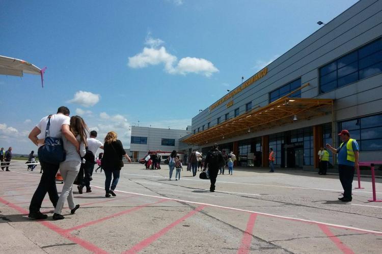 Cluj: Prinși cu test PCR fals pe Aeroportul din Cluj. Au schimbat numele și le-au printat