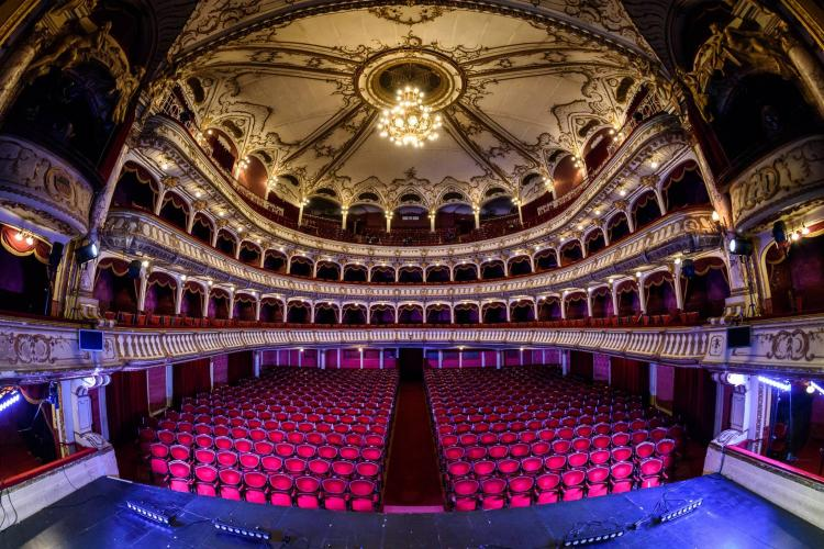 Teatrul Național din Cluj-Napoca se redeschide pentru public, cu spectacole de Ada Milea și Ionuț Caras