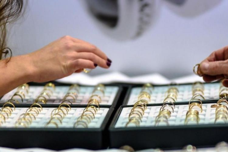 Un floreștean a jefuit un magazin de bijuterii ca în filme. Cum a furat o bijuterie de 3.000 de EURO?