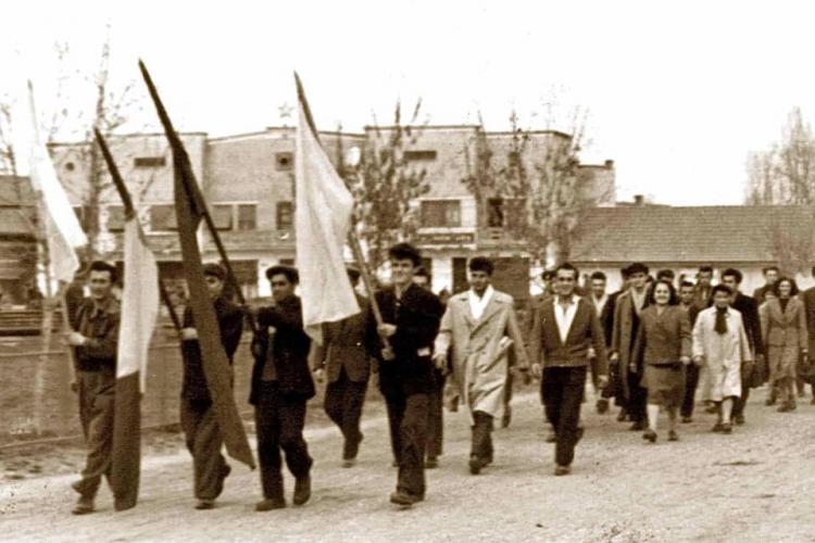 1 Mai 1959, sărbătorit la Câmpia Turzii, de muncitorii de la ISCT - FOTO
