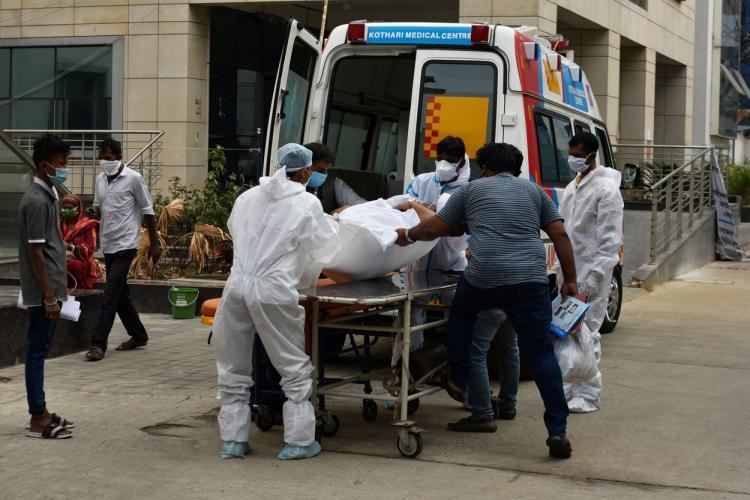 Un medic american a murit, infectat cu coronavirus, în India. Era vaccinat cu ambele doze ale vaccinului
