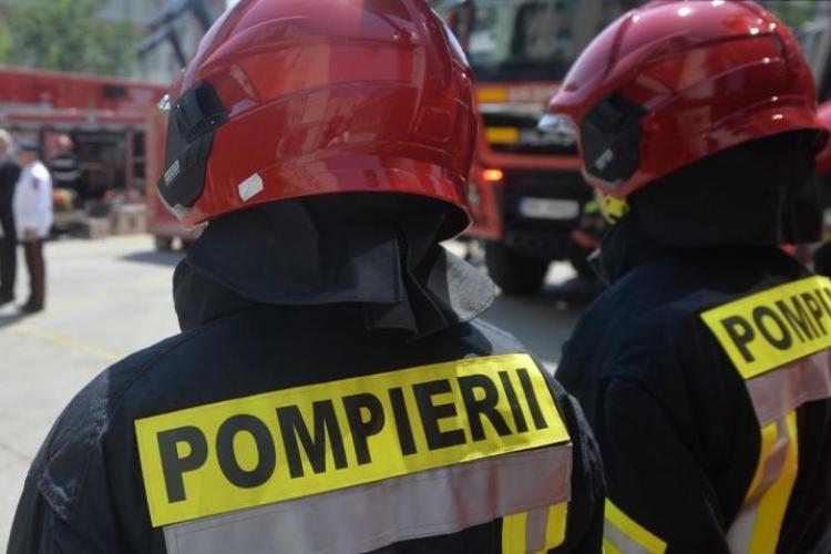 O femeie a murit, după ce i-au luat foc hainele în timp ce făcea mâncare