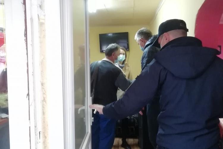 Jandarmii clujeni explică de ce au folosit gaze și cătușe la evacuarea de pe strada Meșterul Manole - VIDEO