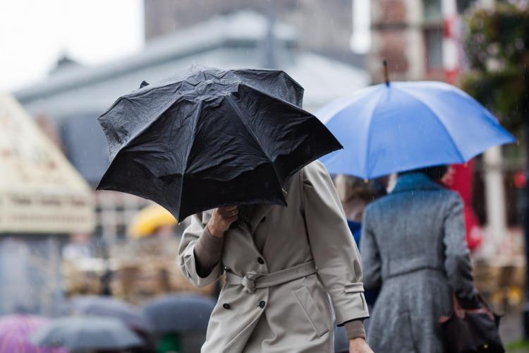 Atenționare ISU Cluj:  COD GALBEN de ploi în Cluj: vor cădea cantități mari de precipitații și vântul va atinge 60 km/h