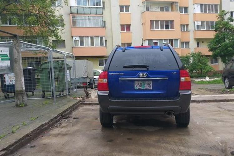 Cluj: Un șofer i-a ocupat locul de parcare de patru zile. Ce e de făcut? - FOTO