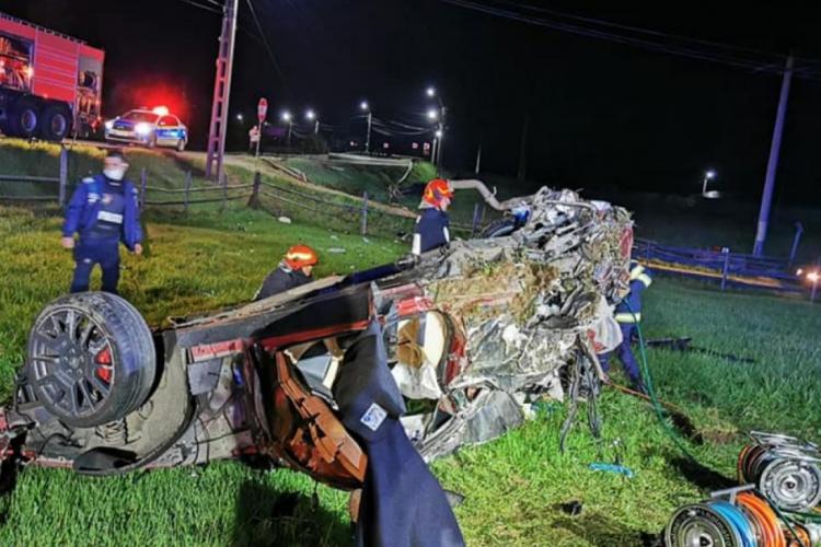 Imagini cu Maserati -ul distrus în accidentul în care au murit doi clujeni. Ionuț Mihai Moldovan fusese prins cu droguri - VIDEO