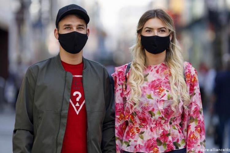 Valeriu Gheorghiță anunță când putem scăpa de masca de protecție