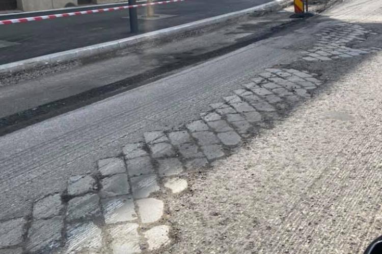 Cluj: Drumul din piatra cubică făcut de meseriași în 1900 încă rezistă pe strada George Coșbuc - FOTO