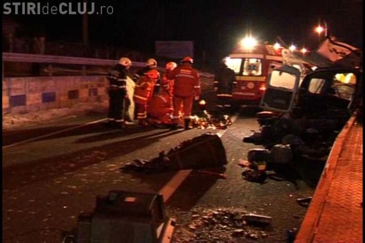 Accident grav cu 7 victime in Gilau! Doua persoane au murit, trei sunt grav ranite si doua usor! VIDEO