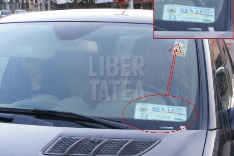 Bianca Dragusanu il viziteaza pe Cristea la Cluj cu masina unui senator? VEZI FOTO