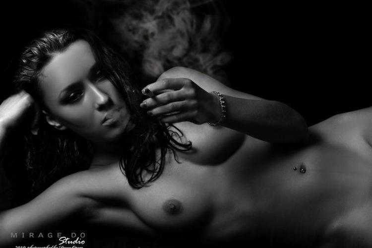 30 fete sexy din Cluj renunta la haine intr-un pictorial incendiar! - Galerie FOTO