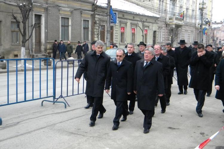 Emil Boc a participat la slujba de inmormantare a lui IPS Bartolomeu! - VIDEO si FOTO