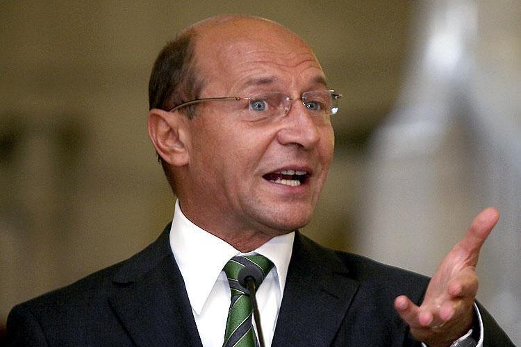 Traian Basescu: N-am iesit din criza, ci am iesit din zona de risc