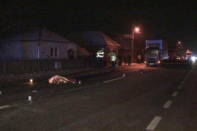 Barbat strivit de un autocamion in Cuzdrioara! Soferul a trecut de doua ori peste victima - VIDEO - IMAGINI SOCANTE