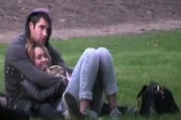 "Miley Cyrus are un nou iubit: Josh Bowman, actorul din filmul ""So Undercover"" - FOTO"